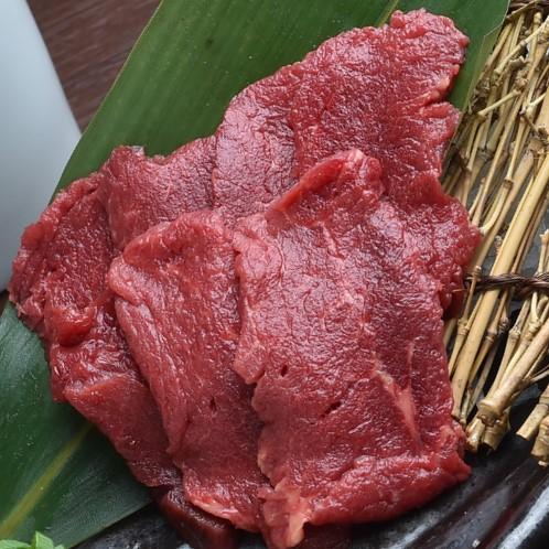 カナダ産または、アルゼンチン産のもも肉を使用しています。