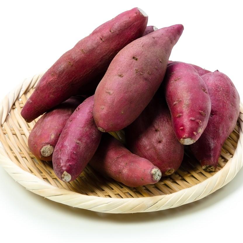 兵庫県内の農家で栽培されたさつまいもです。一般には流通しない、甘みの少ないものを使用しています。